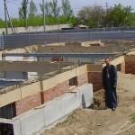 Заливка монолитного пояса на фундаменте. Май 2012 года