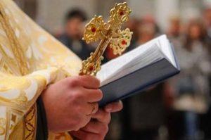 Хлеб и вино претворятся в Тело и Кровь, каким бы грешником ни был священник