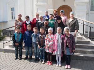 Учащиеся 2 класса воскресной школы Покровского епархиального образовательного центра побывали на экскурсии в Успенском храме